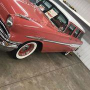 1957 Pontiac 9 Passenger Sweet